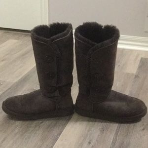 Ugg 3-Button Bailey Boots